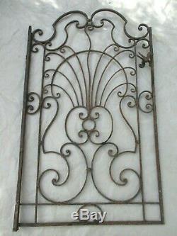 128 X 76 cm ancien portillon de portail, intérieur extérieur en fer forgé