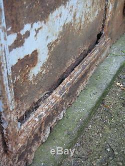 202 X 73 cm -Paire d'anciennes portes d'atelier ou de serre de jardin, en métal