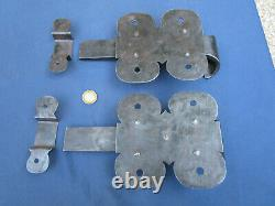 2 Grosses targettes verrou ouvragée fer forgé ancienne porte 14,5 x 13,5 cm