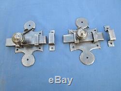 2 grosses targettes à blocage verrous fer forgé ancienne porte Ht 17,5 cm