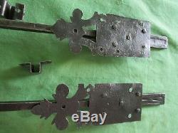 2 targettes ouvragées fer forgé longues 33 & 42,5 cm porte double anciennne