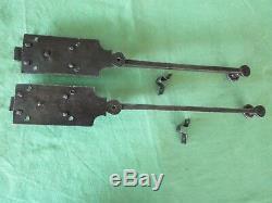 2 targettes ouvragées fer forgé longues 38,5 & 42 cm porte double placard ancien