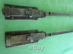 2 targettes ouvragées fer forgé longues 49-49,7 cm porte double placard ancienne