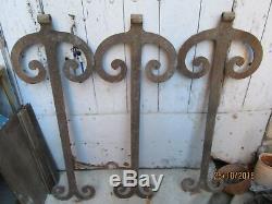 3 très belles ferrures monumentales de grandes portes, pentures très anciennes