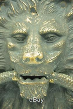Ancien heurtoir de porte en bronze au Lion et serpent dans la gueule collection