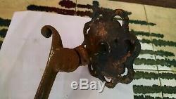 Ancien heurtoir en fer forgé rosace 6