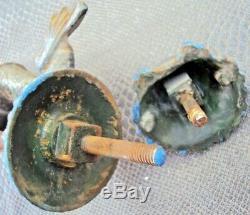 Ancien heurtoir et son enclume en fonte de fer en forme de dauphin 19 ème