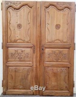 Ancienne Paire De Portes D'armoire En Noyer (maringues) 2