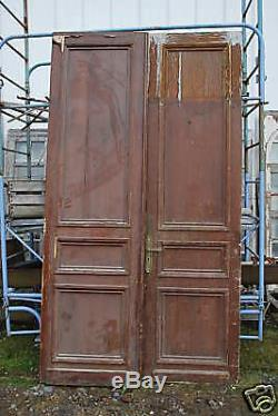 Ancienne Paire De Portes En Sapin