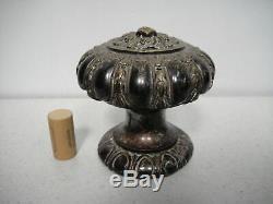 Ancienne Poignée de porte ou boule d'escalier en métal argenté style rocaille