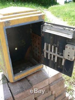 Ancienne boite aux lettres PTT poste réformée déco loft french letters box + Clé