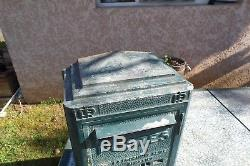 Ancienne boite aux lettres de la poste réformée DEJOIE 1955