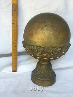 Ancienne boule d'escalier rampe laiton cuivre dore