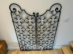 Ancienne paire de portes grilles ouvrantes a volutes hauteur 151 cm