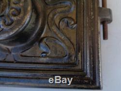 Ancienne petite porte Art Nouveau Façade fer Fonte Porte Deco niche