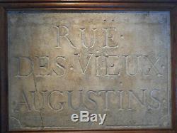 Ancienne plaque de rue parisienne en pierre d'époque XVIIème siècle. 1er arr