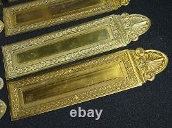 Ancienne plaques de propretée, laiton décor palmette