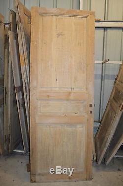 Ancienne porte en sapin / 2m23 de haut x 82 cms de large