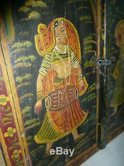 Ancienne porte indienne peinte 55 x 60cm