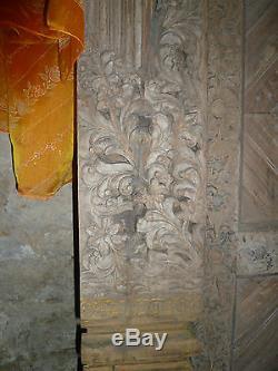 Ancienne porte indienne sculptée