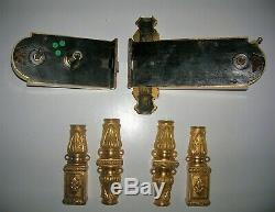 Ancienne serrure bronze a cremone poignée porte fenetre chateau maison maitre ST