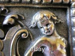 Ancienne serrure bronze ange angelot putti poignée porte chateau maison maitre