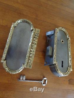 Ancienne serrure de porte, estampillée RG  Remy Garnier