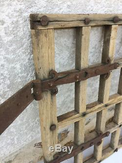 Ancienne très belle petite porte de grange fenêtre pentures en fer forgé 18ème