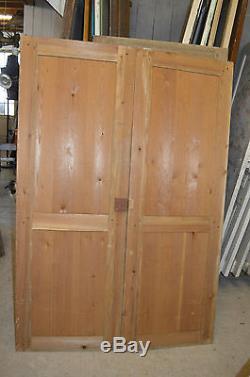 Anciennes Portes En Sapin / 122.5 Cms De Large X 177 Cms De Haut / Placard
