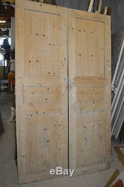 Anciennes Portes En Sapin / 128 Cms De Large X 220 Cms De Haut / Placard
