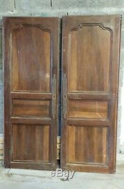 Anciennes Portes d'armoire en bois massif sorti du grenier