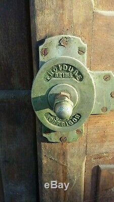 Anciennes portes de frigo en bois meuble de metier bistrot