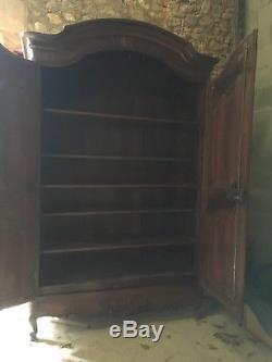 Armoire de château Louis XV à crémone