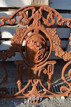 Balcon en fonte / grille de balcon