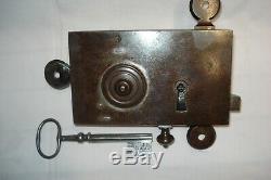 Belle serrure ancienne avec clé TREFLE