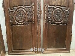 Boiserie Paire De Portes D'armoire De Mariage Sculptée