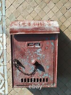 Boîte aux Lettres en Métal Peinte Ancienne