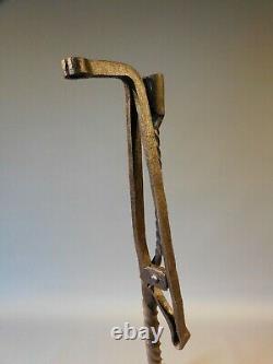 Bougeoir avec resinier porte eclat en fer forge 17eme forged iron candle holder