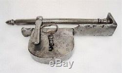 Cadenas ancien en fer forgé à moraillon et sa clé époque 18-19ème