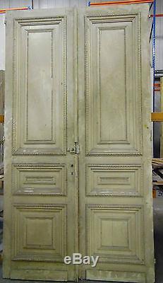 Double porte de passage / Portes anciennes / Portes de séparations /Architecture