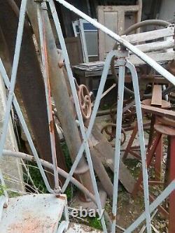 ESCALIER COLIMAÇON EN FONTE DE FER XIXeme spiral staircase Wendeltreppe