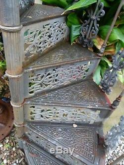 ESCALIER COLIMAÇON EN FONTE DE FER XXeme spiral staircase Wendeltreppe