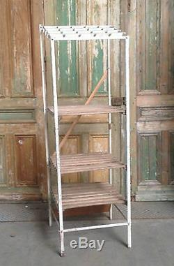 Etagère de boucherie en fer cassier bois hêtre massif porte crochet. XX siècle