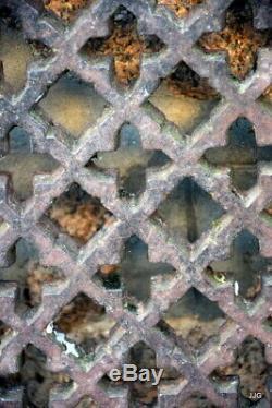 Exceptionnelle et rare grille de fenêtre de château ou d'église 16é /17é