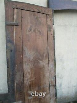 Façade de placard ancien daté 1853