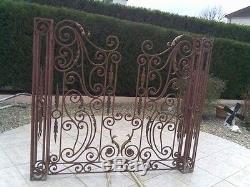 Ferronnerie d'art portail ancien