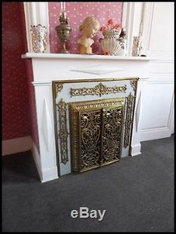 Garniture de cheminée en bronze et laiton de style Second Empire Couvre foyer