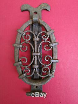 Grand heurtoir de porte très ancien fer forgé riveté et serti hauteur 28,5 cms
