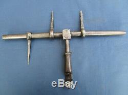 Grand verrou cochonnier ancien fer forgé décoré largeur 37 cm