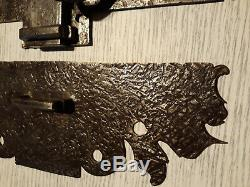 Grande ancienne targette, verrou avec poignée en fer forgé 18è/19è complète
